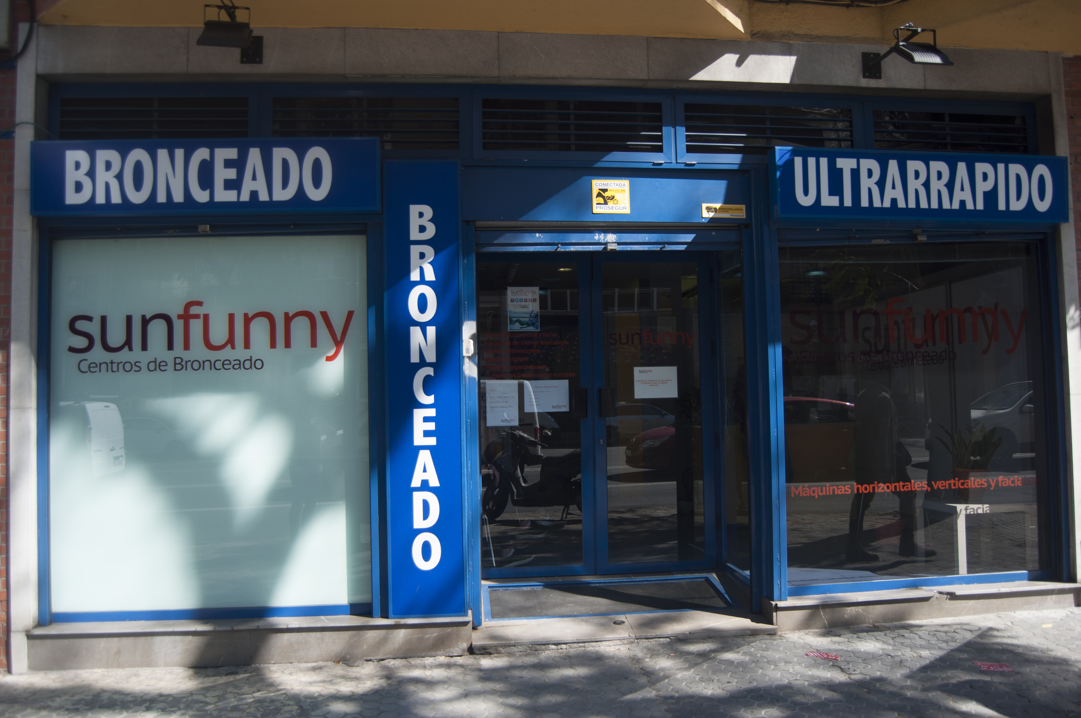 Centro de bronceado en Luis Montoto